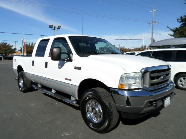 2003 FORD F-250 SUPER DUTY XLT 4DR CREW CAB 4WD SB white one owner vehicle always service at loca