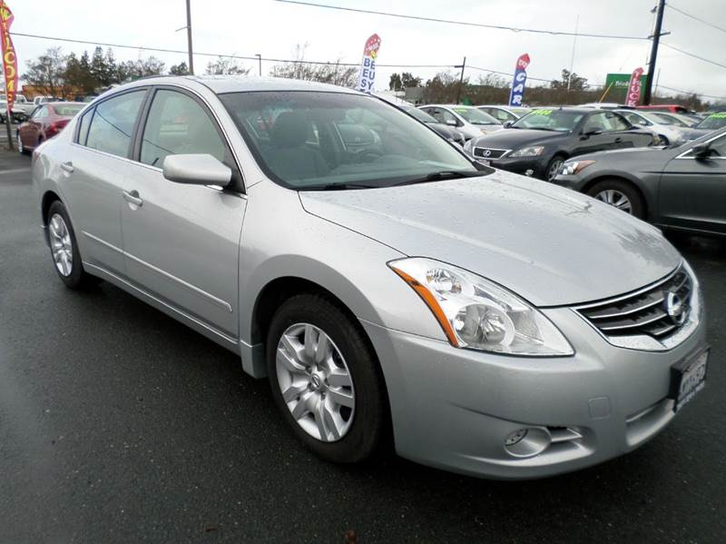 2010 NISSAN ALTIMA 25 S 4DR SEDAN silver one owner vehicle new tires 2-stage unlockin