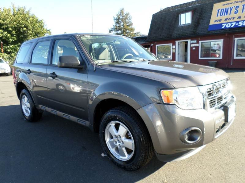 2012 FORD ESCAPE XLS 4DR SUV gray new tires one owner vehicle 5 spd manual