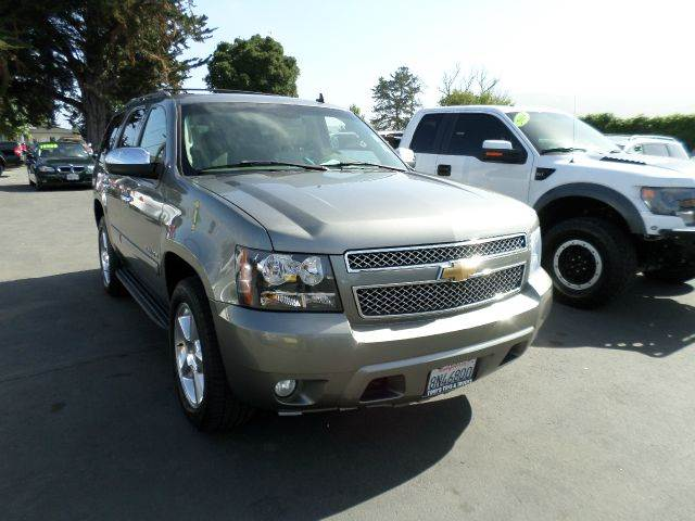 2007 CHEVROLET TAHOE LTZ 4DR SUV 4WD gray one owner clean suv for the family always been se