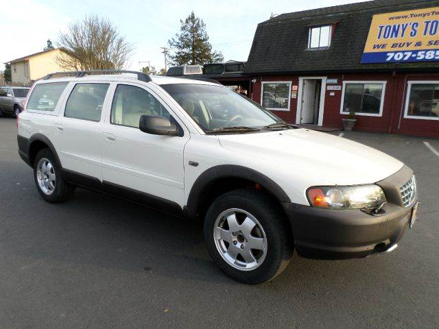 2003 VOLVO XC70 BASE AWD 4DR WAGON white abs - 4-wheel anti-theft system - alarm cassette cent