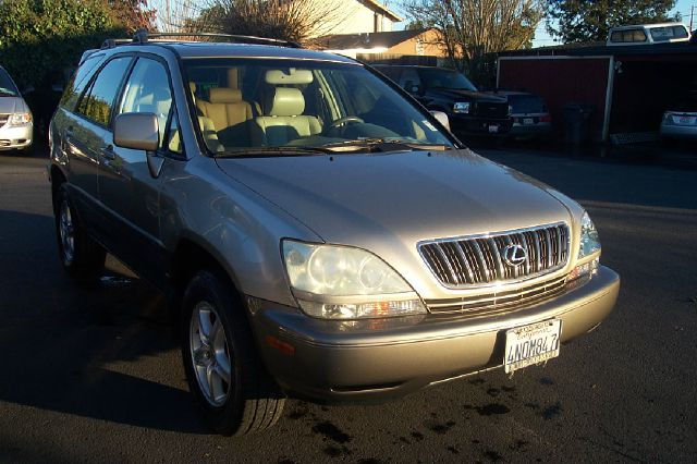 2001 LEXUS RX 300 4WD unspecified low miles 4wdawdabs brakesair conditioningalloy wheelsamfm