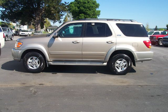 2003 TOYOTA SEQUOIA SR5 4WD gold 4wdawdabs brakesair conditioningamfm radioanti-brake system