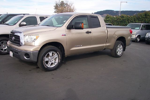 2007 TOYOTA TUNDRA SR5 DOUBLE CAB 6AT 4WD gold low miles- 1 owner  4wdawdabs brakesair conditio