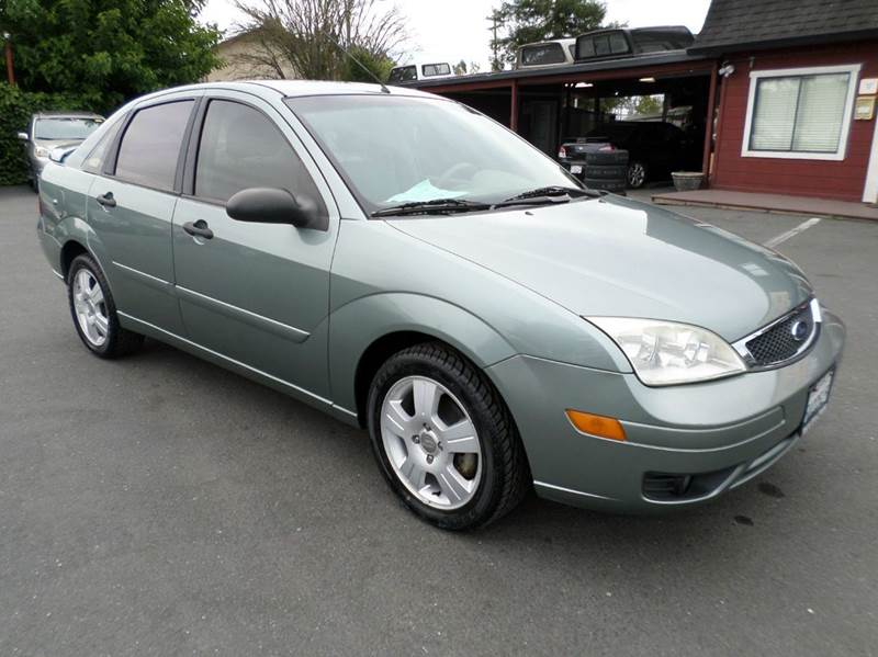 2006 FORD FOCUS ZX4 SES 4DR SEDAN lt green one owner vehicle new tires air filt