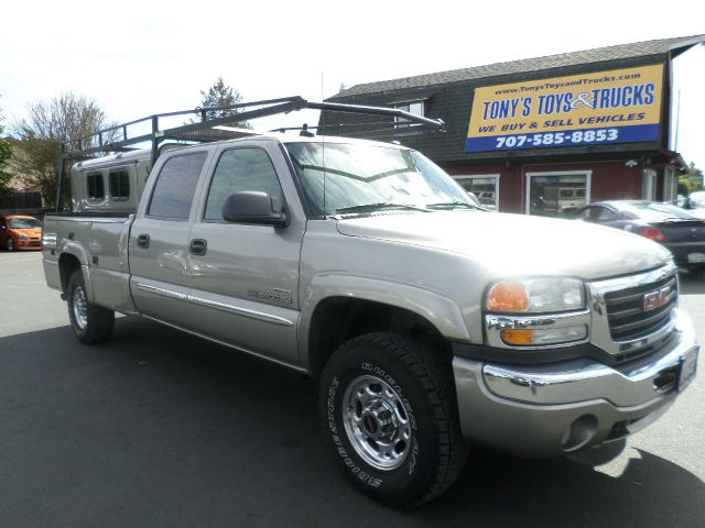 2003 GMC SIERRA 2500HD SLT 4DR CREW CAB 4WD LB pewter clean carfax 1 owner service regularly at
