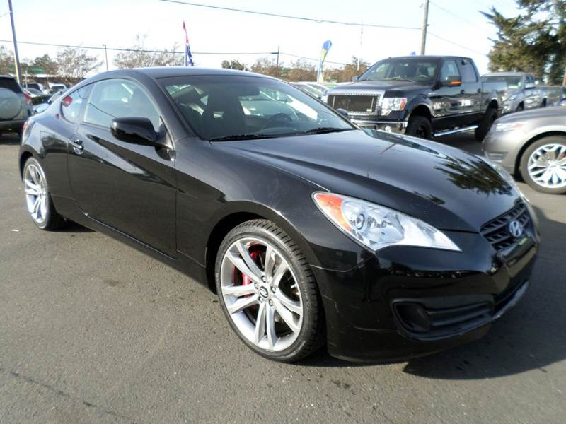 2010 HYUNDAI GENESIS COUPE 20T R SPEC 2DR COUPE black manual 6-speed new tires