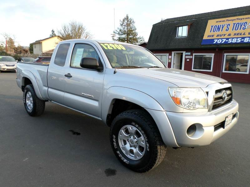 2005 TOYOTA TACOMA BASE 4DR ACCESS CAB 4WD SB silver manual 5sp4wd one owner truck