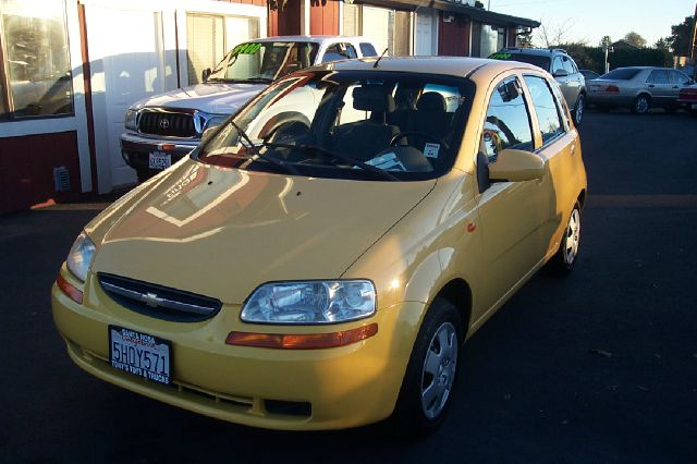 2004 CHEVROLET AVEO BASE 5-DOOR unspecified air conditioningamfm radioanti-brake system non-ab