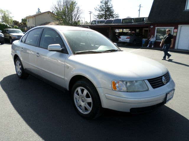 2000 VOLKSWAGEN PASSAT GLS 18T 4DR TURBO SEDAN silver abs - 4-wheel alloy wheels anti-theft sy