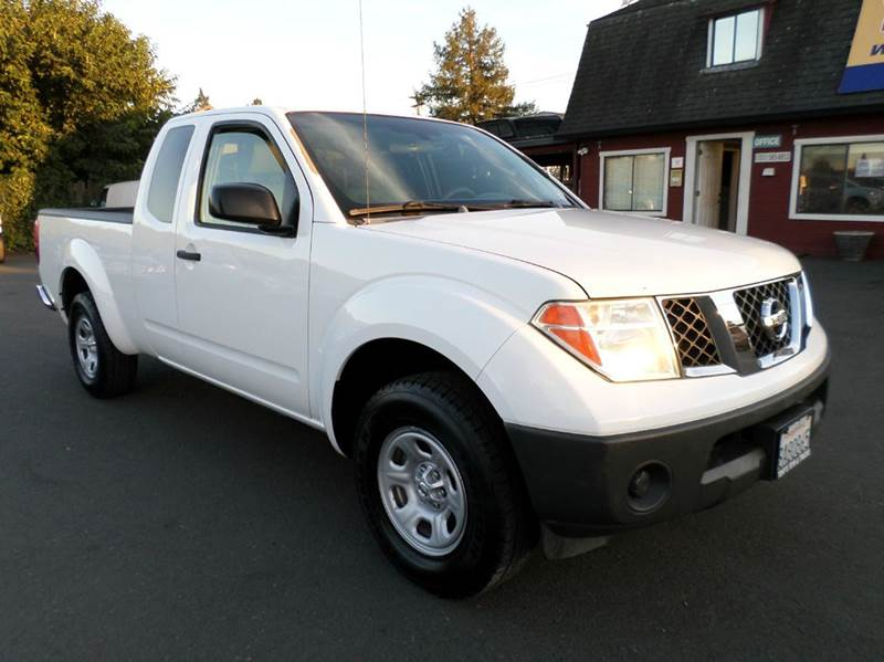 2006 NISSAN FRONTIER XE 4DR KING CAB SB 5M white new tires manual 5sp abs - 4-whe