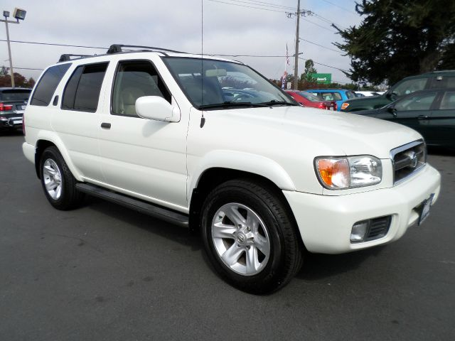 2002 NISSAN PATHFINDER LE 2WD 4DR SUV white super clean 1 owner vehicle always service at local