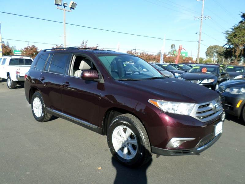 2013 TOYOTA HIGHLANDER SE 4DR SUV burgandy one owner suv new tires abs - 4-wheel air filt