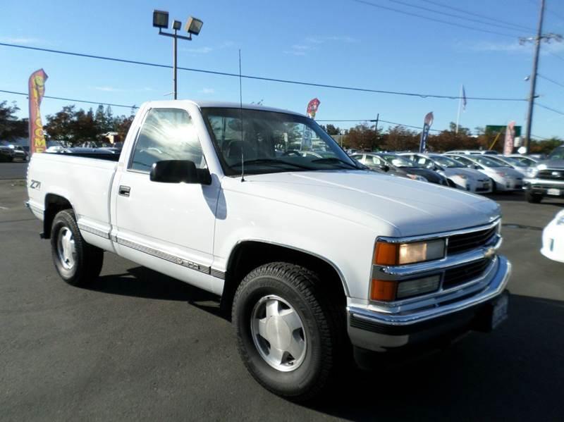 1997 CHEVROLET CK 1500 SERIES K1500 SILVERADO 2DR 4WD STANDARD white new tires 4x4 57l