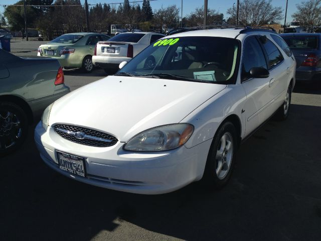 2000 FORD TAURUS SE white 19 city 26 hwy 4-wheel abs cassette center console cruise control fr