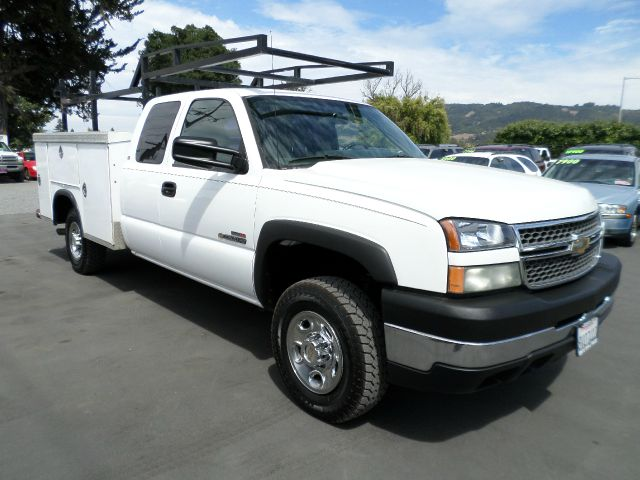 2005 CHEVROLET SILVERADO 2500HD EXTENDED CAB WORK TRUCK white air conditioning alloy wheels amf