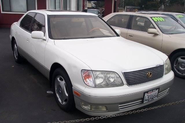 1999 LEXUS LS 400 white abs - 4-wheel air conditioning alloy wheels amfm radio wcd player a