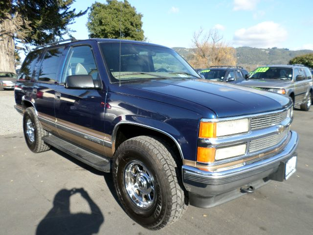 1999 CHEVROLET TAHOE LT 4DR 4WD SUV blue abs - 4-wheel air conditioning - front and rear bumper