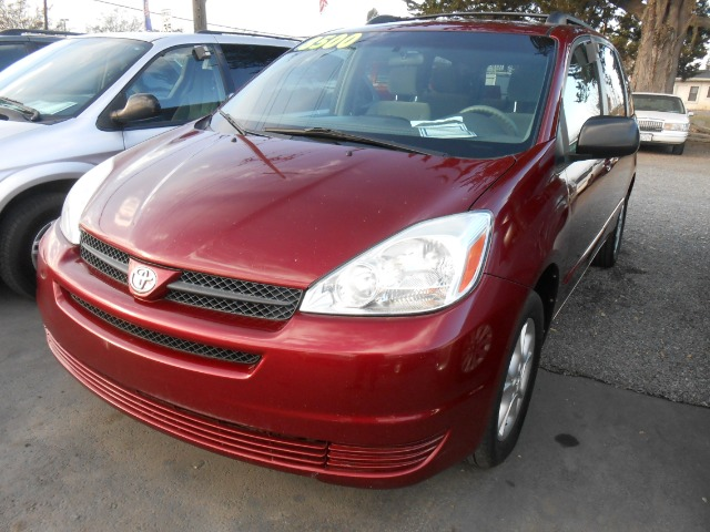 2004 TOYOTA SIENNA LE AWD red alarm system all wheel drive alloy wheels amfm radio automatic