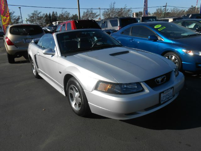 2000 FORD MUSTANG GT CONVERTIBLE silver low miles abs brakesair conditioningalloy wheelsamfm r