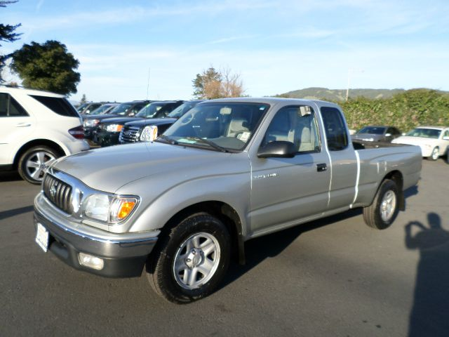 2003 TOYOTA TACOMA BASE 2DR XTRACAB RWD SB silver 1 owner clean carfax always been service a