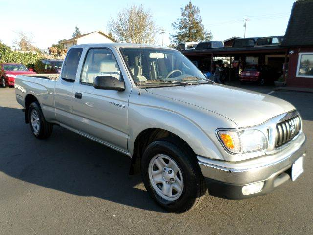 2003 TOYOTA TACOMA 2DR XTRACAB RWD SB silver 1 owner clean carfax always been service at lo