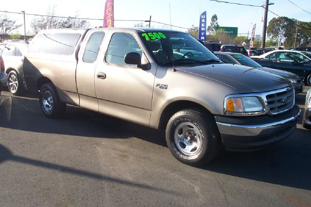 2003 FORD F150 XL SUPERCAB 2WD gold 6 cly 5 speed manual abs brakesair conditioningamfm radioa