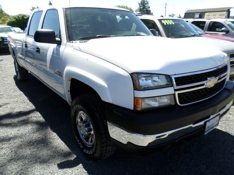 2007 CHEVROLET SILVERADO 2500HD CLASSIC LT1 4DR CREW CAB LB white one ownerlong beda