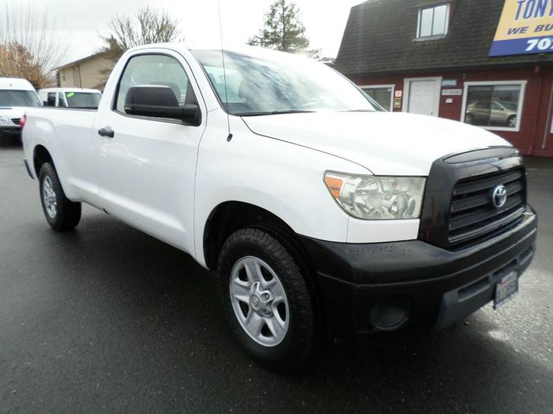 2007 TOYOTA TUNDRA BASE 2DR REGULAR CAB LB 4L V6 white one owner truckalways service since