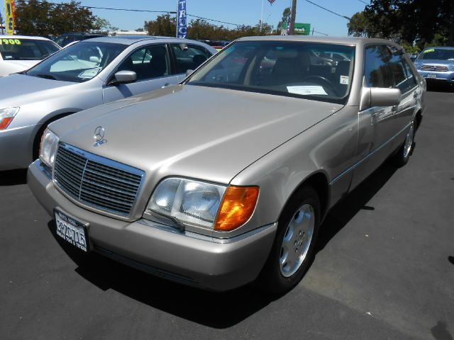 1992 MERCEDES-BENZ 300 300SE SEDAN gold abs brakesair conditioningalloy wheelsanti-brake system
