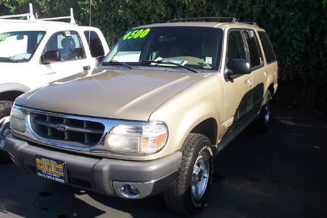 1999 FORD EXPLORER XLT 4WD gold 4wdawdabs brakesair conditioningalloy wheelsamfm radioanti-