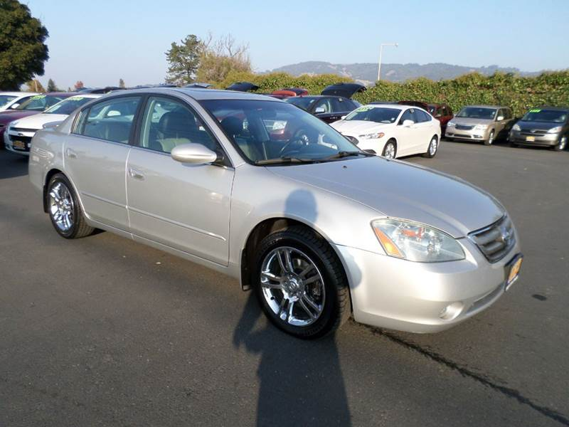 2004 NISSAN ALTIMA 35 SE 4DR SEDAN silver 17 inch wheels - chrome anti-theft system - alarm ce