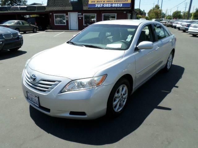 2009 TOYOTA CAMRY LE V6 4DR SEDAN 6A silver one owner vehicle new tires all service records