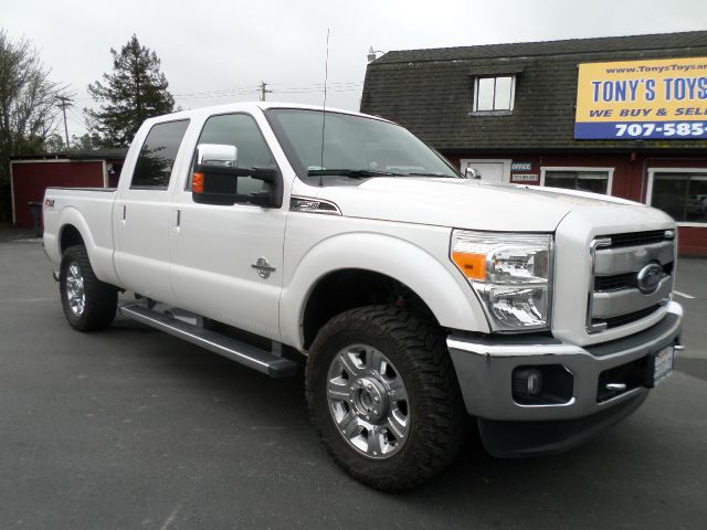 2012 FORD F-250 SUPER DUTY LARIAT 4X4 4DR CREW CAB 6.8 FT.