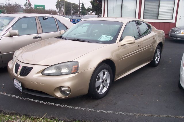 2005 PONTIAC GRAND PRIX BASE gold 20 city 30 hwy alloy wheels cruise control front airbags - dua