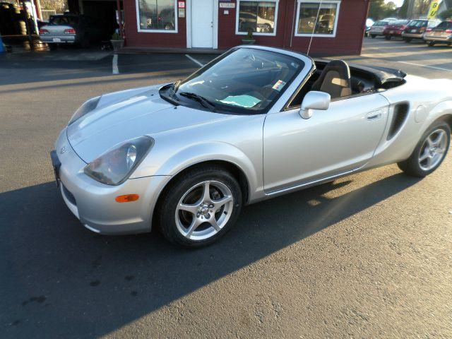 2001 TOYOTA MR2 SPYDER BASE 2DR CONVERTIBLE timing belt done at 82288 miles abs - 4-wheel cassett
