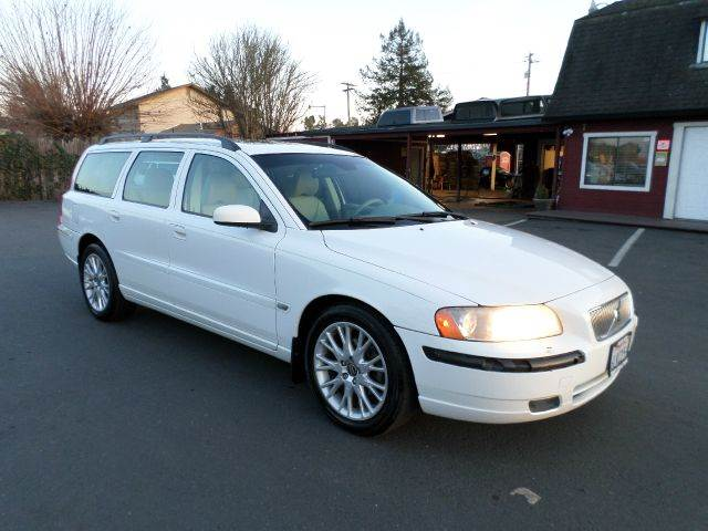 2006 VOLVO V70 25T 4DR WAGON white abs - 4-wheel air filtration airbag deactivation - occupant