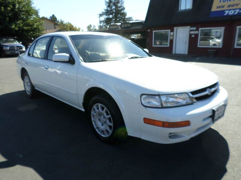 1999 NISSAN MAXIMA GXE 4DR SEDAN white only 64706 miles cassette center console cruise co