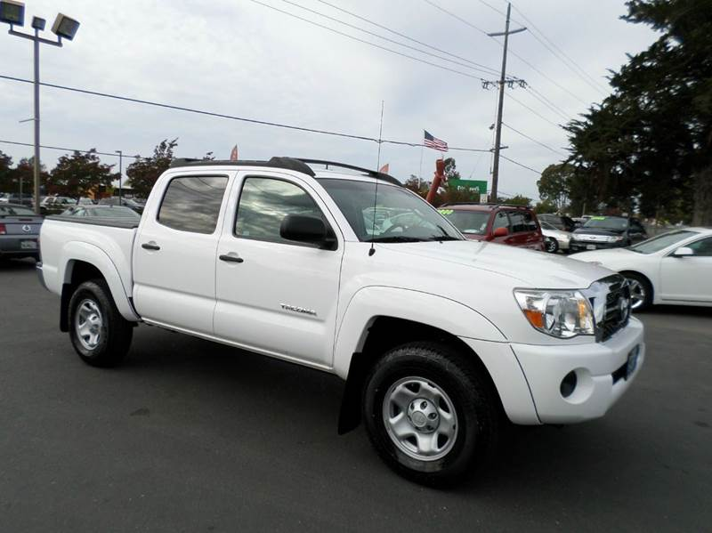 2011 TOYOTA TACOMA PRERUNNER 4X2 4DR DOUBLE CAB 50 white one owner clean trucks new tires