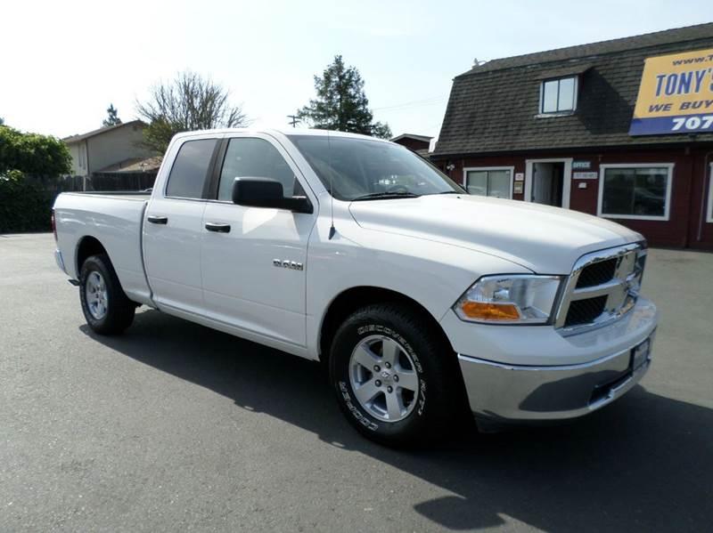 2009 DODGE RAM PICKUP 1500 SLT 4X2 4DR QUAD CAB 63 FT SB white new tires one owner