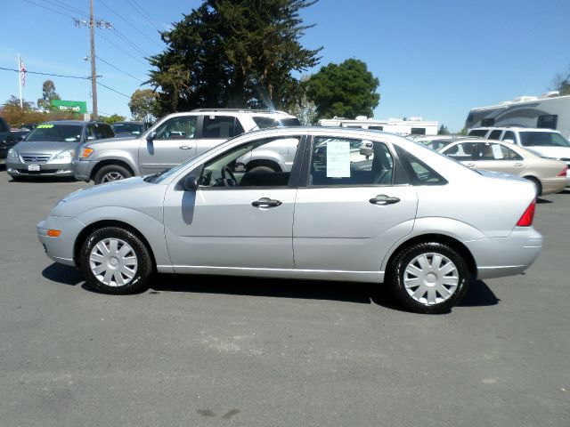 2005 FORD FOCUS ZX4 S 4DR SEDAN silver center console - front console with storage clock front