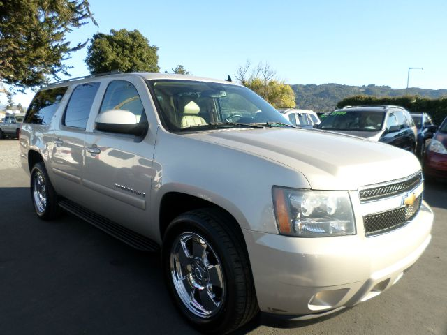 2007 CHEVROLET SUBURBAN LT 1500 4DR SUV champagne 2-stage unlocking - remote abs - 4-wheel airba