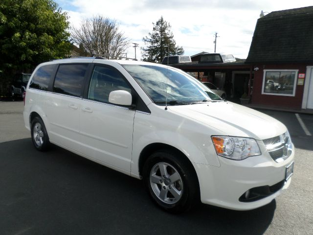 2011 DODGE GRAND CARAVAN CREW 4DR MINI VAN white 2-stage unlocking - remote 50 state emissions a