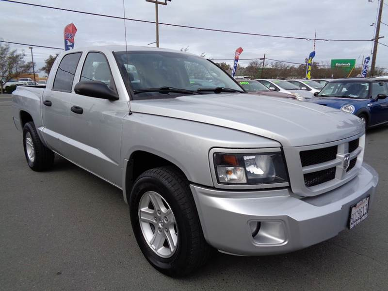2010 DODGE DAKOTA BIG HORN 4X2 4DR CREW CAB silver crew cabnew tires 2-stage unlocking do