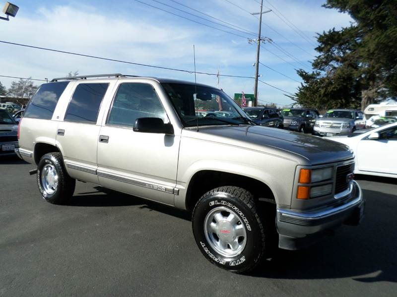 1999 GMC YUKON SLE 4DR 4WD SUV gold new tires4x4 abs - 4-wheel air conditioning - front