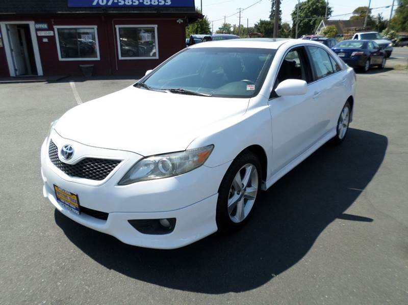 2010 TOYOTA CAMRY SE 4DR SEDAN 6A 1 owner new tires 2-stage unlocking doors abs - 4-wheel air fi