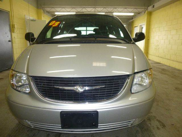 2003 Chrysler Town and Country for sale in Stone Park IL