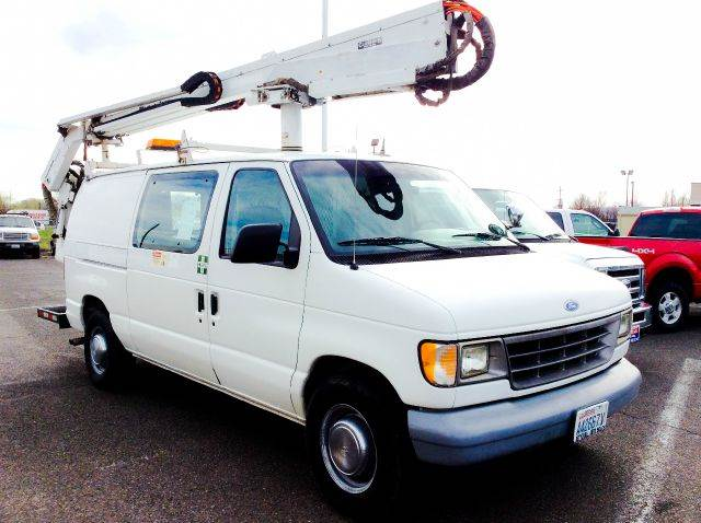 1994 ford e 350 base 3dr std econoline cargo van in yakima. Black Bedroom Furniture Sets. Home Design Ideas
