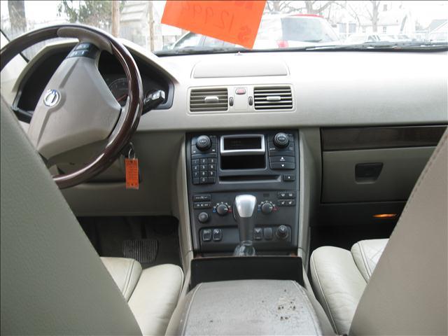 2003 Volvo XC90 AWD 4dr T6 Turbo SUV - Springfield MA