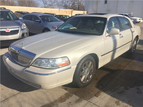 2005 Lincoln Town Car for sale in Hazel Park, MI